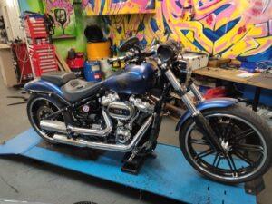 Harley-Davidson FXBRS Umbau Burleigh Highball