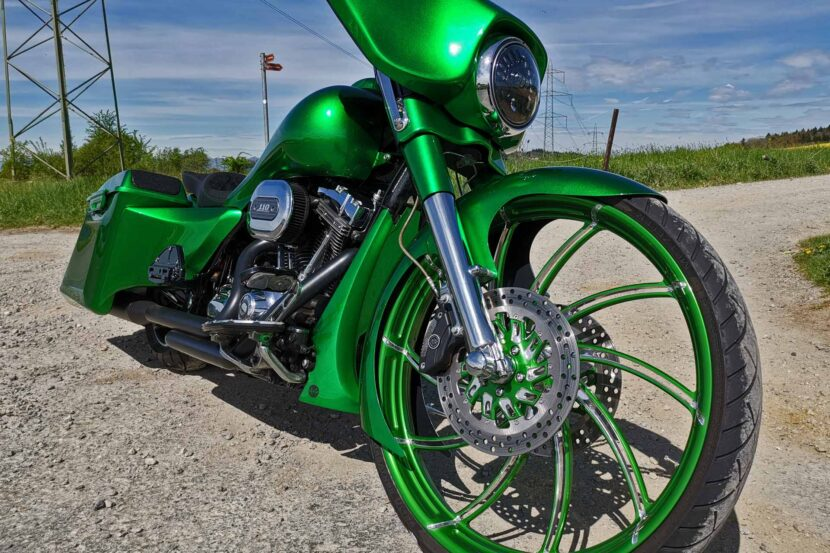 "Harley-Davidson FLHXSE Big Wheel Bagger 26"" bodywork custom paintjob airride jekill and hyde performance trask yaffe baggernation"