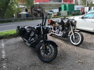 Harley-Davidson-FLHRXSE-Road-King-special-2-Zoll-Burleigh-Ape