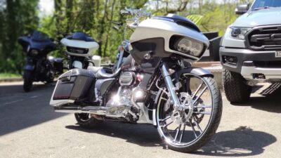 Road Glide Bagger Stars and Chrome Custombikes Harley Bagger