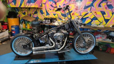 Softail Deluxe Umbau FLSTN Harley-Davidson by Stars and Chrome