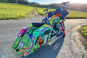 Color Nuke Bagger CVO Road Glide Harley-Davidson (14)
